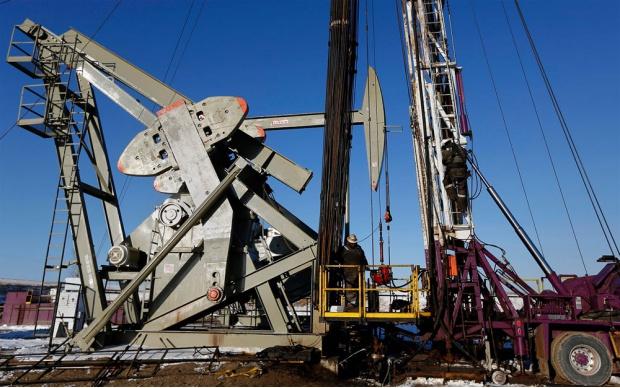Сколько нефти добывает Россия в сутки